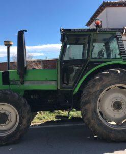 Imatge d'un tractor de color verd